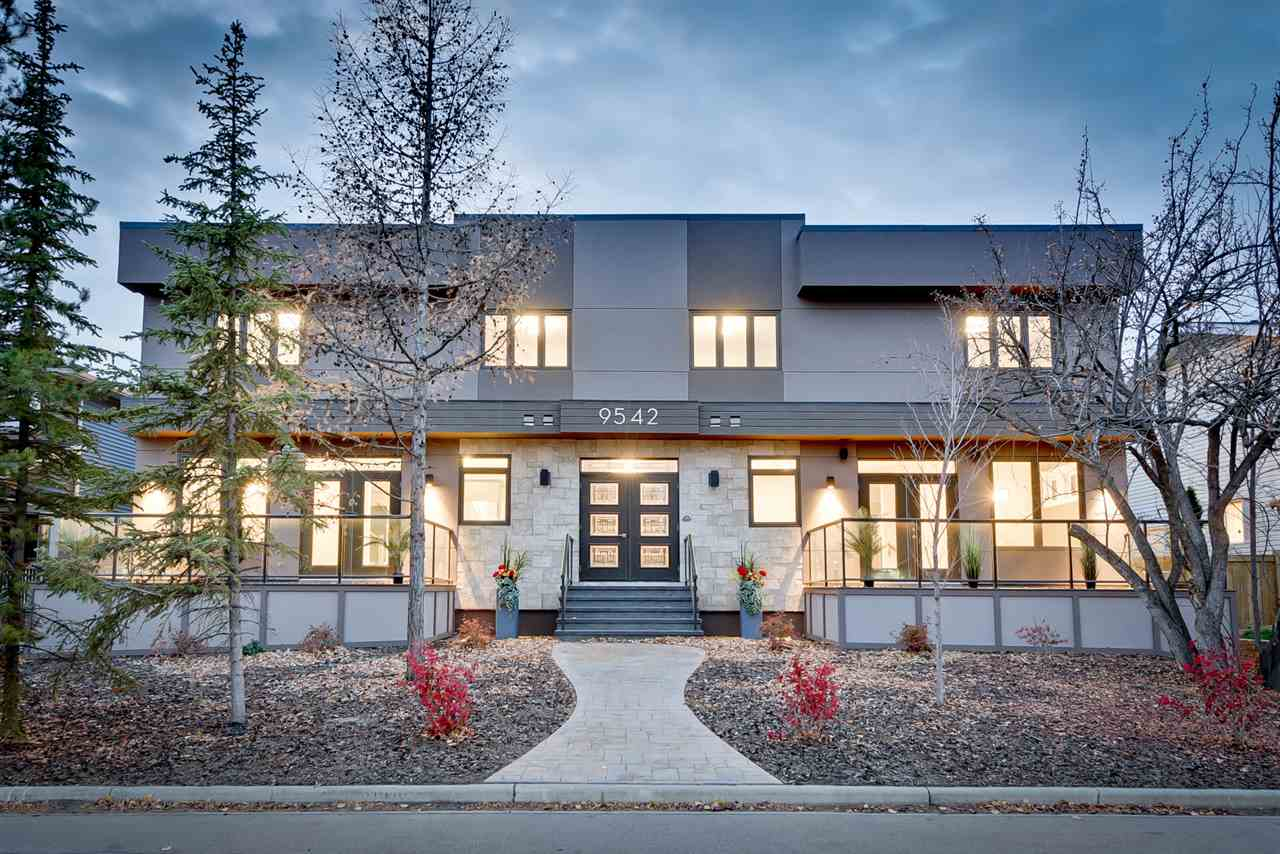 Main Photo:  in Edmonton: Zone 10 Townhouse for sale : MLS® # E4087827