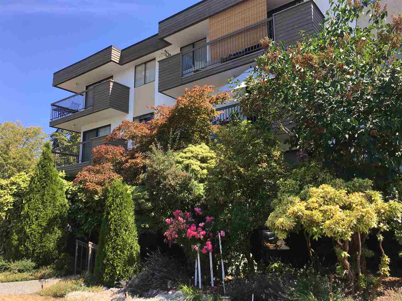 FEATURED LISTING: 106 1650 CHESTERFIELD Avenue North Vancouver