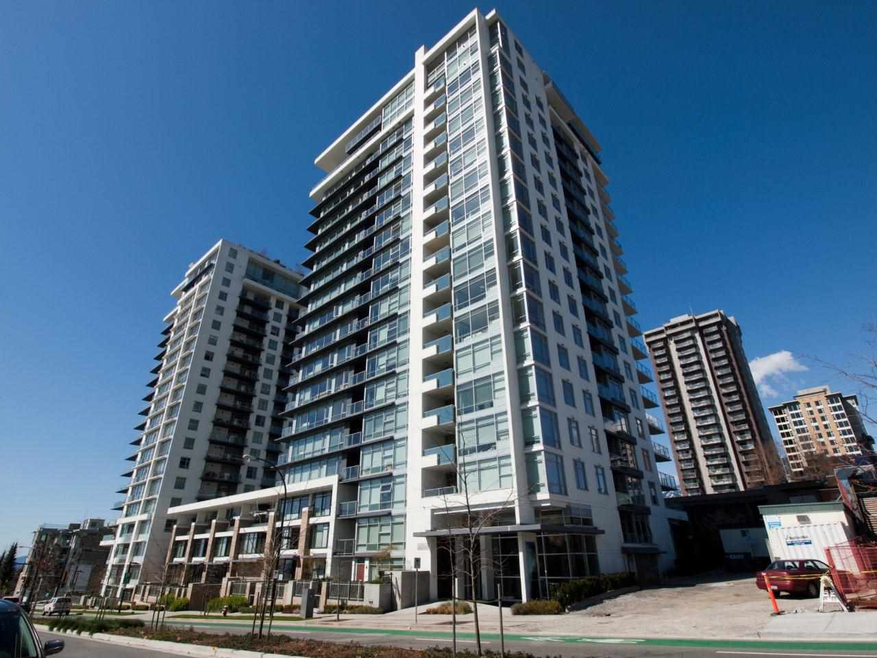 "Main Photo: 1508 1320 CHESTERFIELD Avenue in North Vancouver: Central Lonsdale Condo for sale in ""VISTA PLACE"" : MLS® # R2193722"