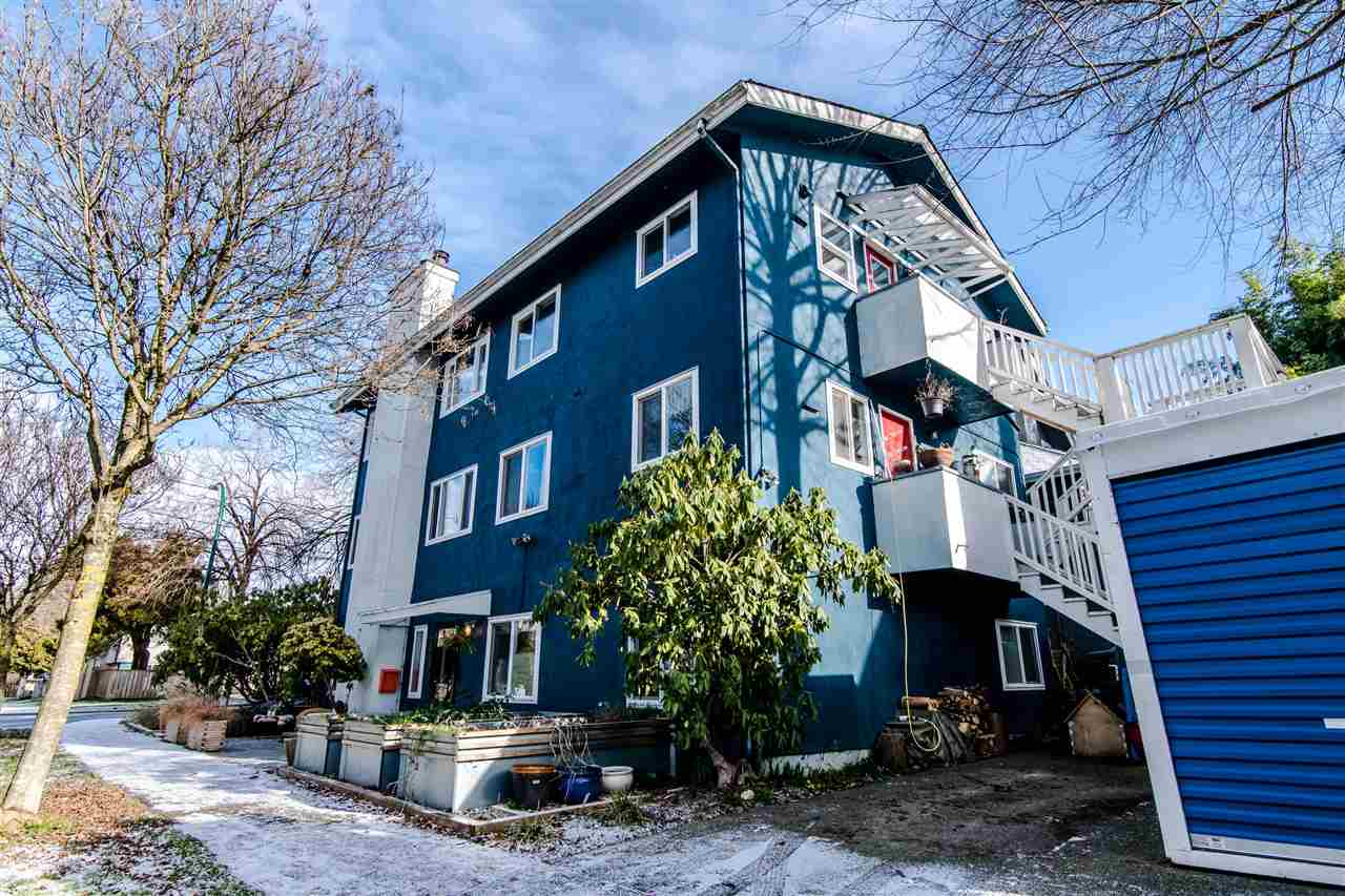 FEATURED LISTING: 2910 CAROLINA Street Vancouver