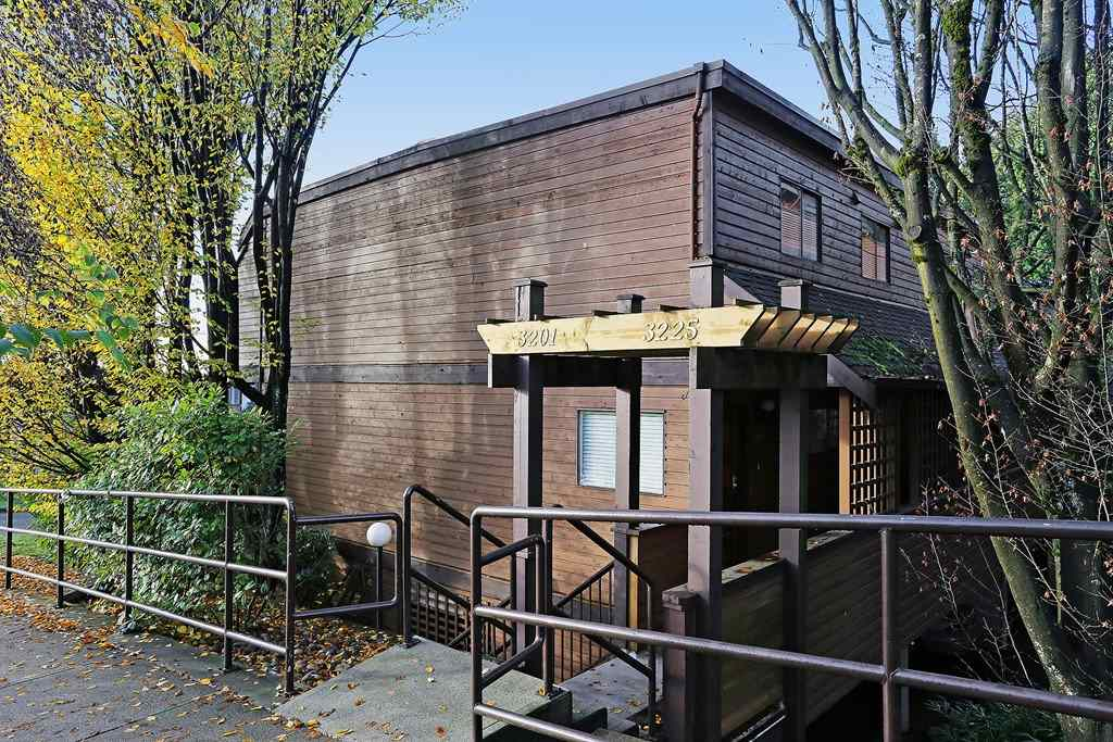 FEATURED LISTING: 3201 LONSDALE Avenue North Vancouver