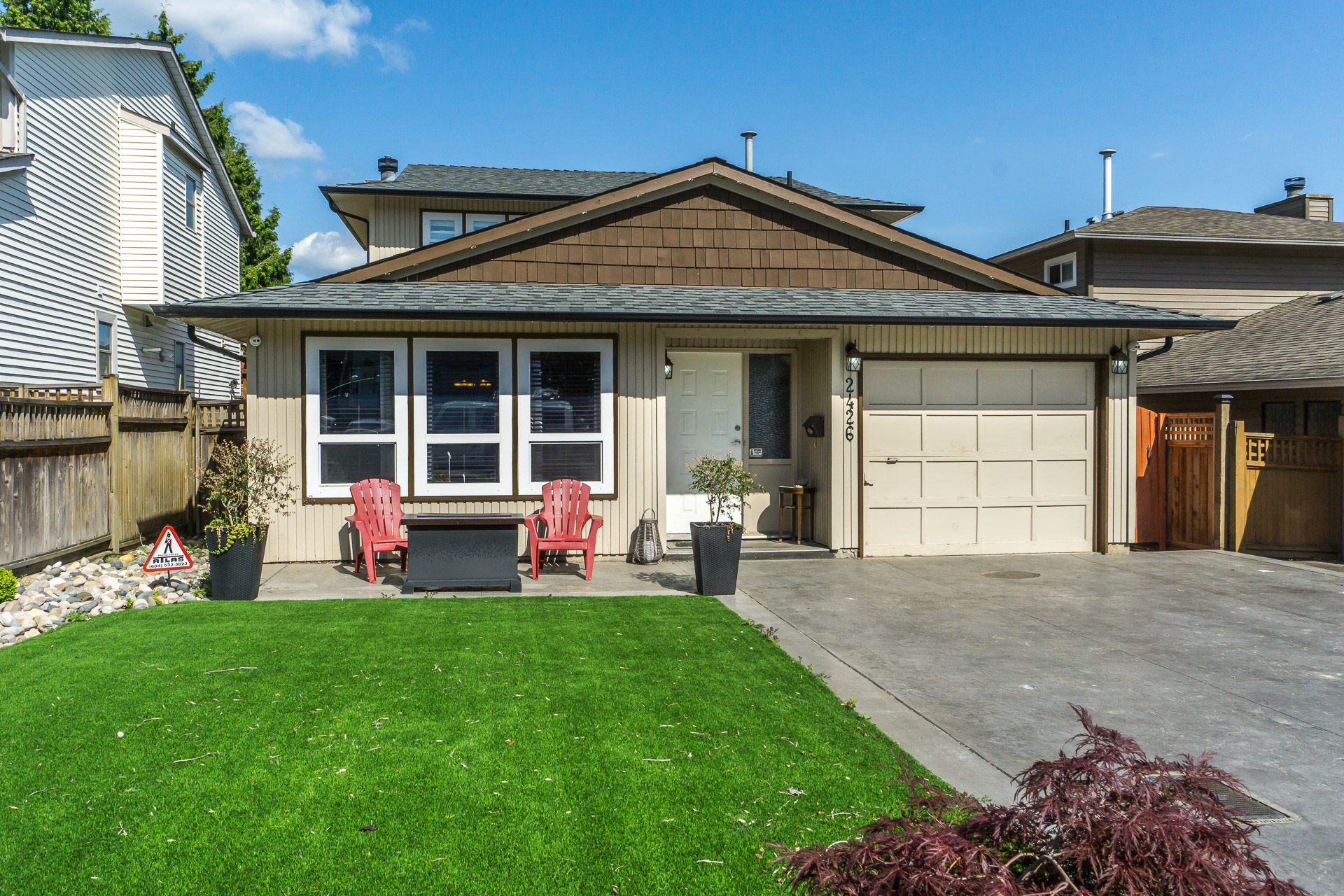 FEATURED LISTING: 2426 WAYBURNE Crescent Langley
