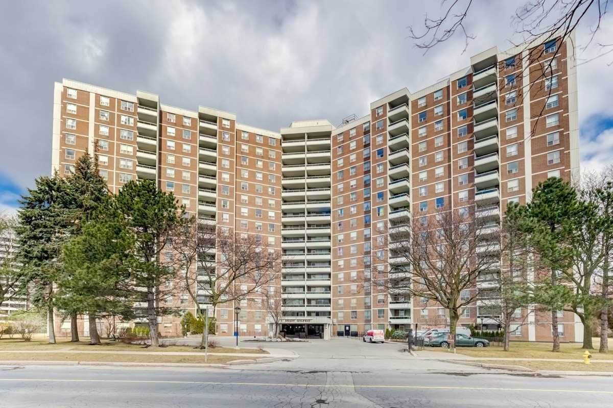 FEATURED LISTING: 612 - 5 Shady Golfway Toronto