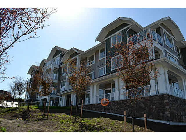 "Main Photo: 315 16398 64 Avenue in Surrey: Cloverdale BC Condo for sale in ""The Ridge At Bose Farms"" (Cloverdale)  : MLS®# R2023181"