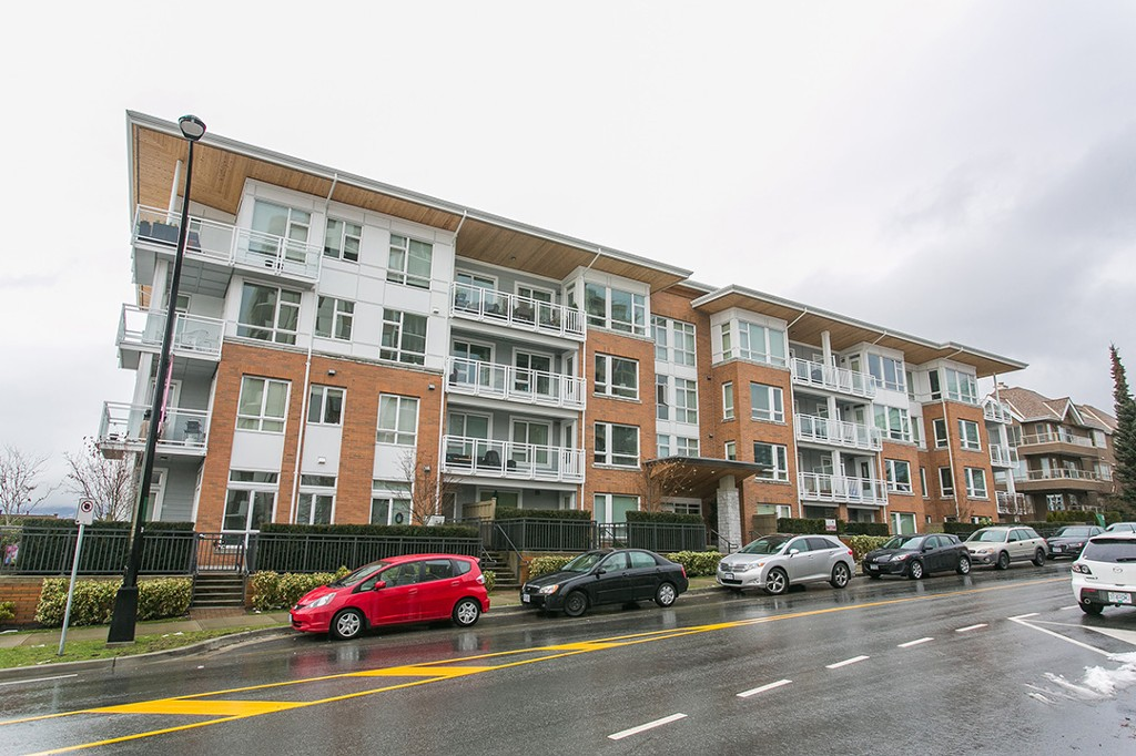FEATURED LISTING: 307 - 717 Chesterfield Avenue North Vancouver