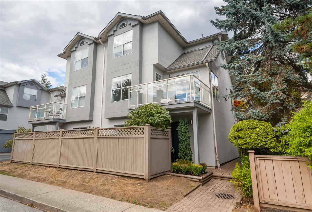 "Main Photo: 7 920 TOBRUCK Avenue in North Vancouver: Hamilton Townhouse for sale in ""PARKSIDE"" : MLS® # R2207191"