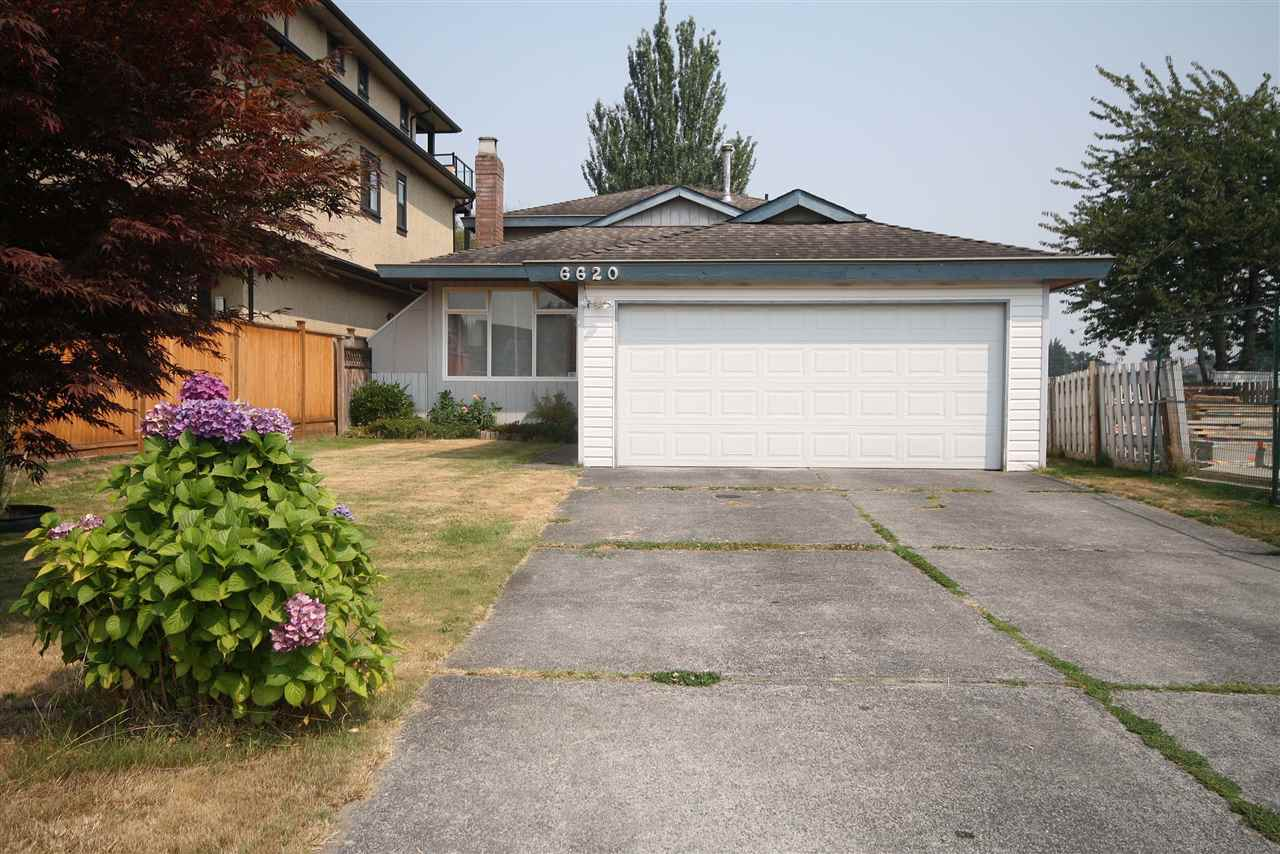Main Photo: 6620 GOLDSMITH Drive in Richmond: Woodwards House for sale : MLS® # R2196659
