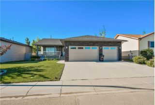 Main Photo: 1003 CARRIAGE LANE Drive: Carstairs House for sale : MLS® # C4144242