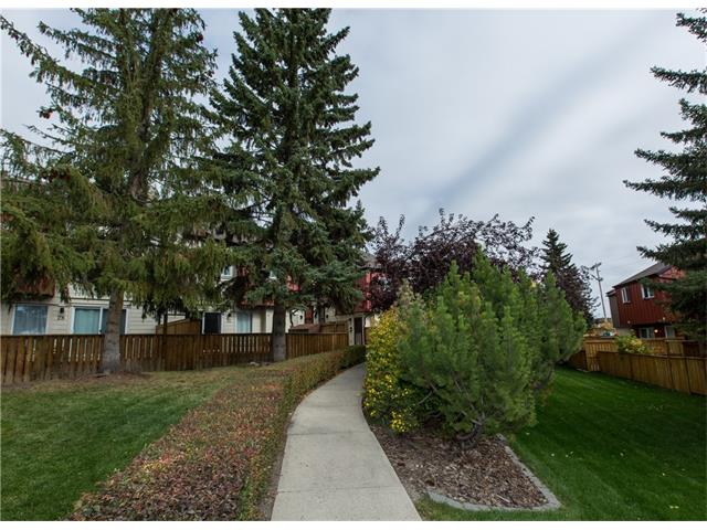 Main Photo:  in Calgary: House for sale : MLS® # C4084169