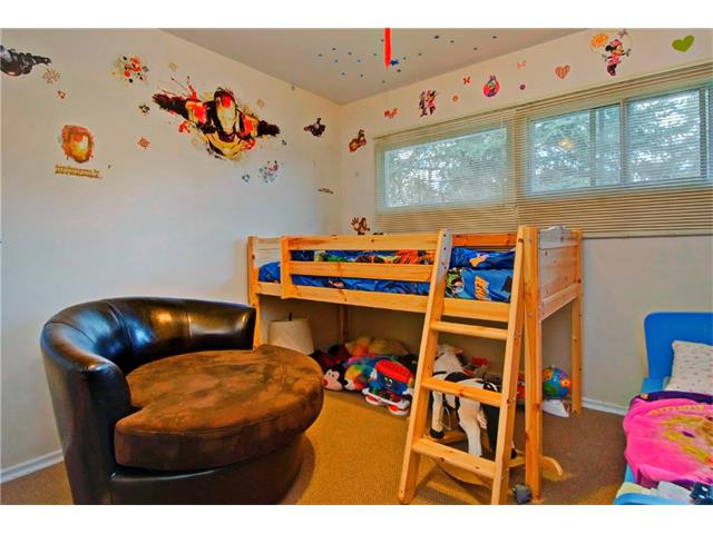 Photo 11: 4232 7 Avenue SW in Calgary: Rosscarrock House for sale : MLS® # C4078756