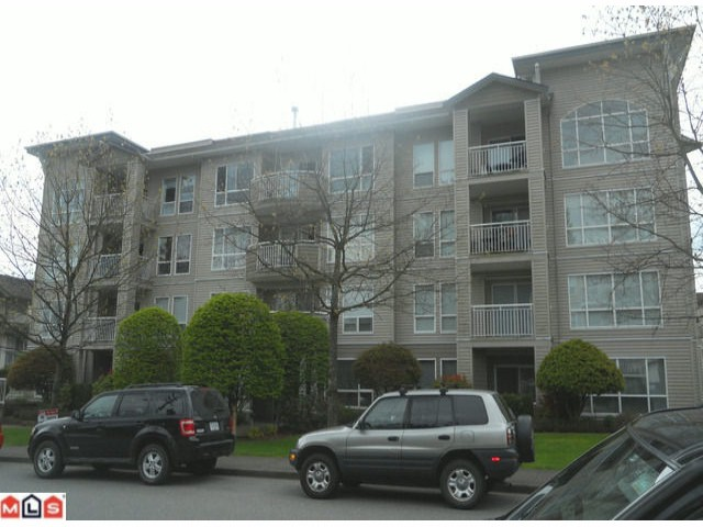 Main Photo: 206 32120 Mt. Waddington Ave in Abbotsford: Abbotsford West Condo for sale : MLS®# F1112059