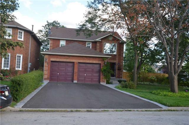Main Photo: 3316 Charlebrook Court in Mississauga: Erin Mills House (2-Storey) for lease : MLS®# W3299087