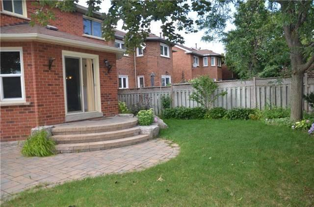 Photo 5: 3316 Charlebrook Court in Mississauga: Erin Mills House (2-Storey) for lease : MLS® # W3299087