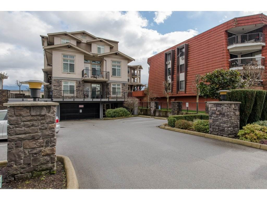 "Main Photo: 402 9108 MARY Street in Chilliwack: Chilliwack W Young-Well Condo for sale in ""FLORA ON MARY"" : MLS®# R2238238"