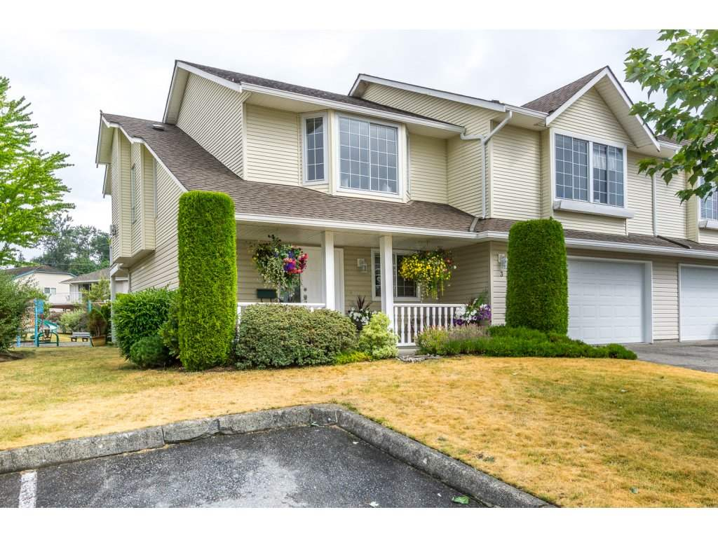 "Main Photo: 3 31255 UPPER MACLURE Road in Abbotsford: Abbotsford West Townhouse for sale in ""COUNTRY LANE"" : MLS® # R2190433"