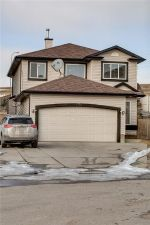 Main Photo: 220 COVEMEADOW Court NE in Calgary: Coventry Hills House for sale : MLS® # C4160697