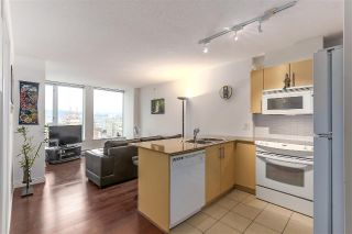 "Main Photo: 1606 550 TAYLOR Street in Vancouver: Downtown VW Condo for sale in ""THE TAYLOR"" (Vancouver West)  : MLS® # R2234052"