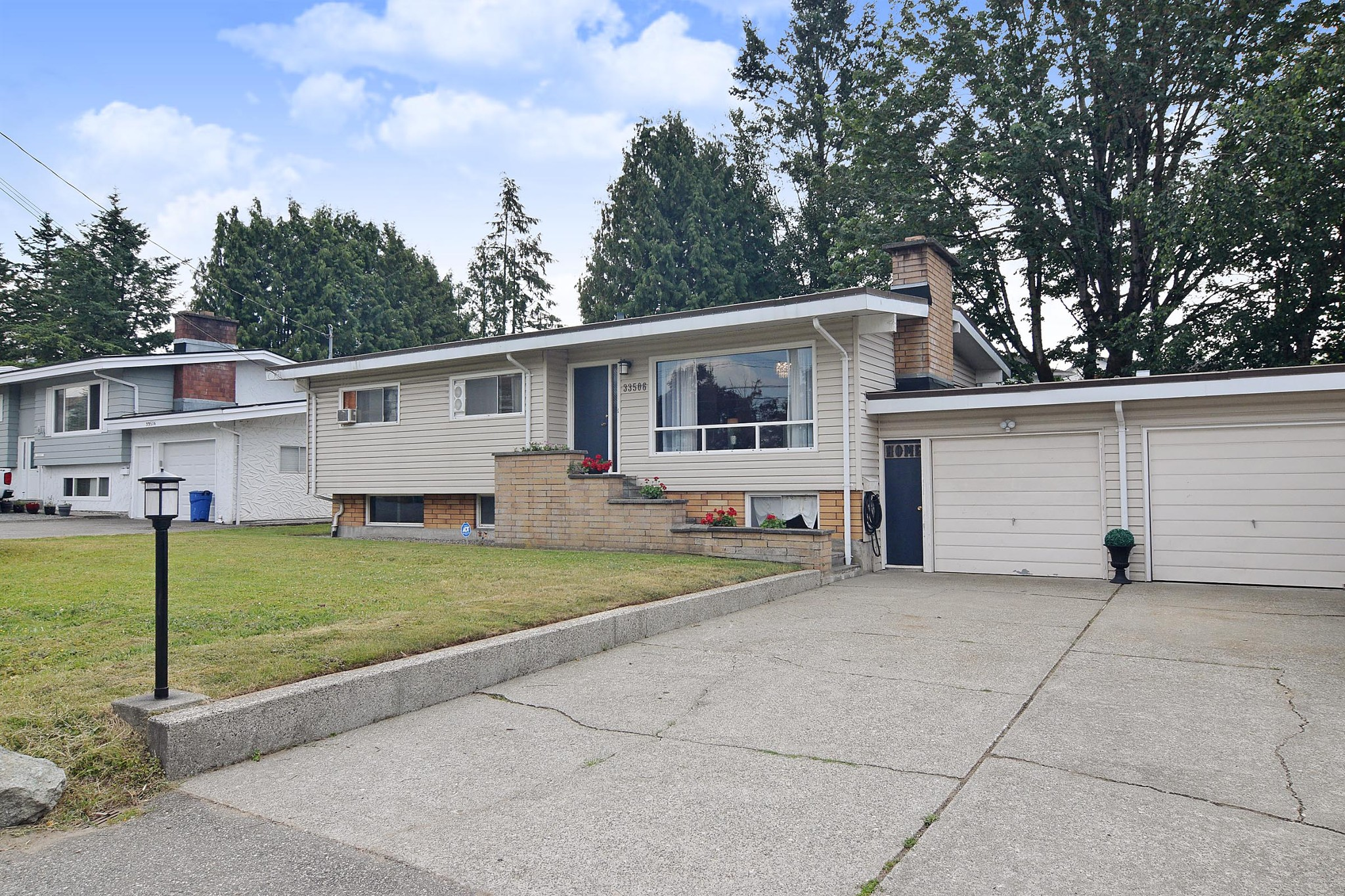 FEATURED LISTING: 33506 KING Road Abbotsford