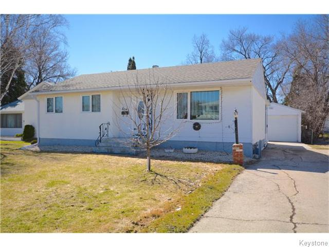 Main Photo: Cedarcrest Drive in Winnipeg: Residential for sale : MLS® # 1605512
