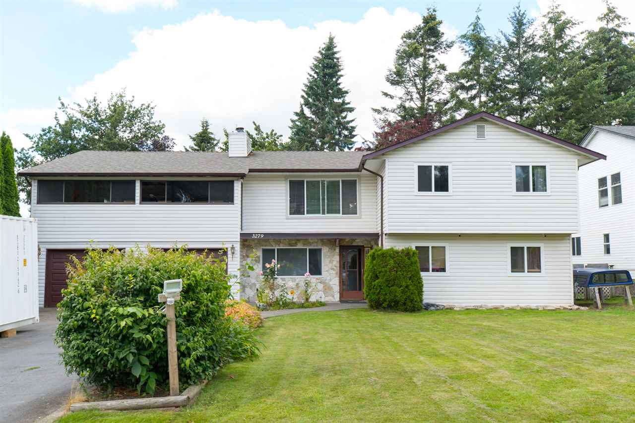 "Main Photo: 3279 275A Street in Langley: Aldergrove Langley House for sale in ""Aldergrove"" : MLS®# R2092400"