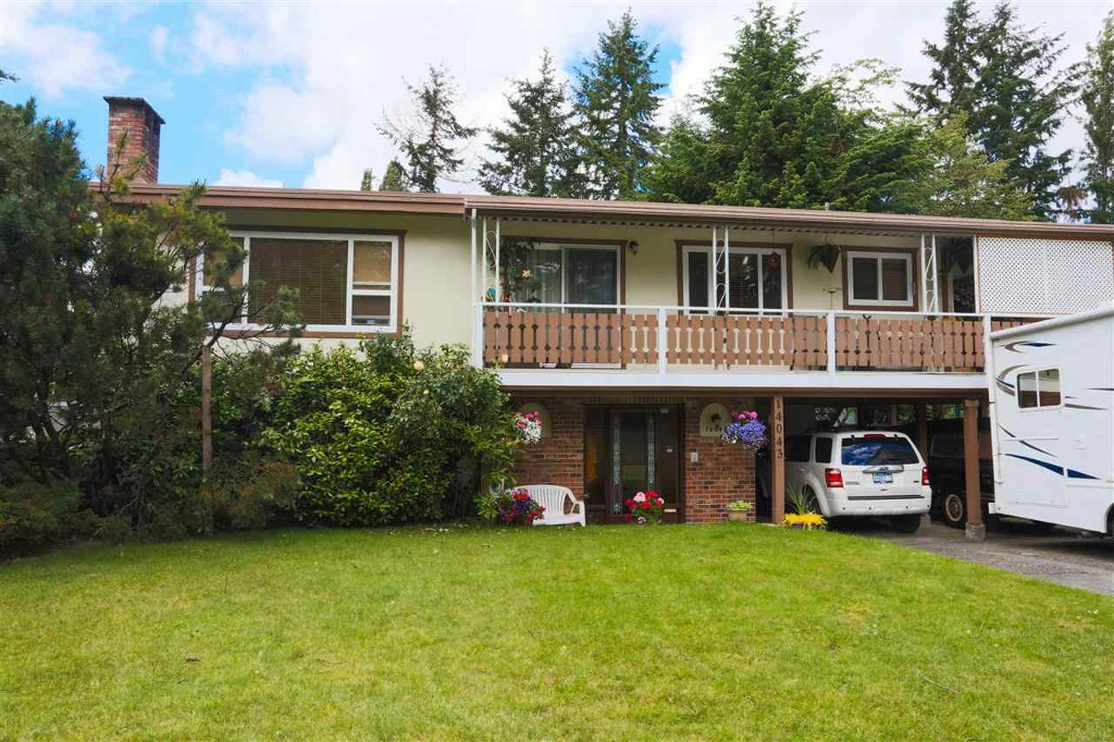 Main Photo: 14043 Antrim Rd in Surrey: House for rent