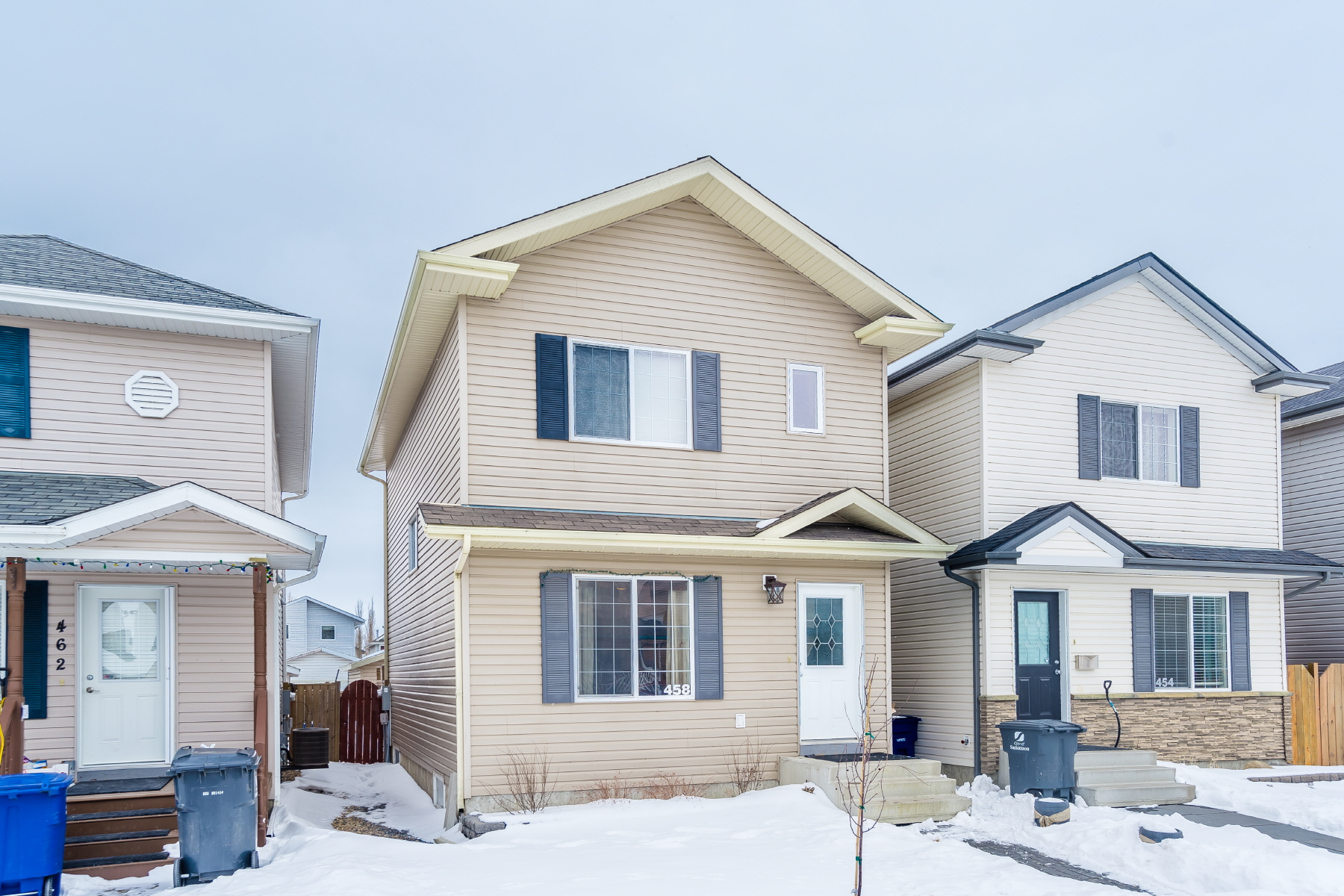 Main Photo: 458 Blakeney Crescent in Saskatoon: Confederation Park Residential for sale : MLS®# SK723767