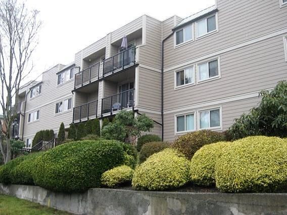 "Main Photo: 301 1103 HOWIE Avenue in Coquitlam: Central Coquitlam Condo for sale in ""The Willows"" : MLS® # R2226243"