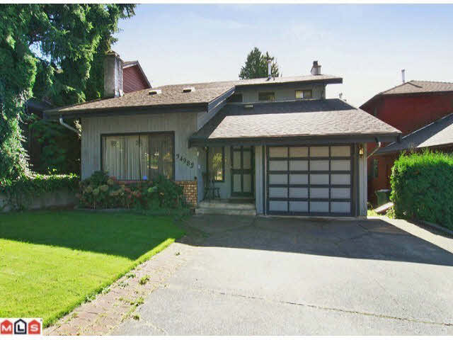 Main Photo: 18005 68TH AVENUE in : Cloverdale BC House for sale (Cloverdale)  : MLS®# F1303374