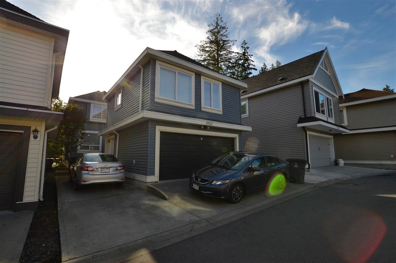 Photo 18: 5922 128 Street in Surrey: Panorama Ridge House for sale : MLS(r) # R2077660