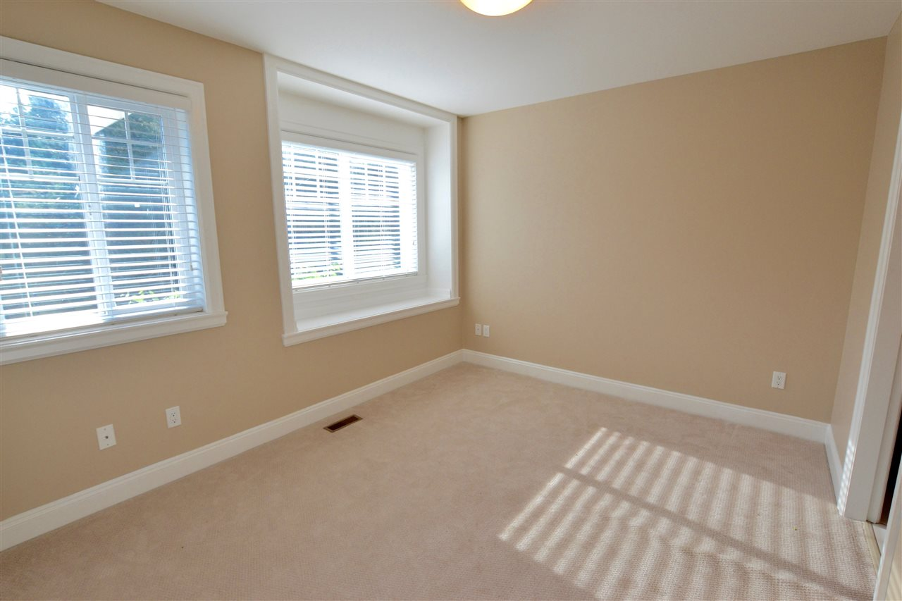 Photo 15: 5922 128 Street in Surrey: Panorama Ridge House for sale : MLS(r) # R2077660