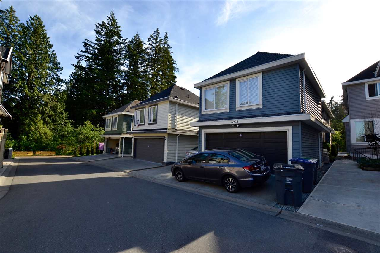 Photo 19: 5922 128 Street in Surrey: Panorama Ridge House for sale : MLS(r) # R2077660
