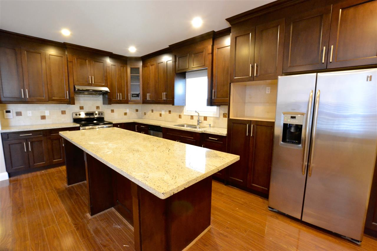 Photo 6: 5922 128 Street in Surrey: Panorama Ridge House for sale : MLS(r) # R2077660