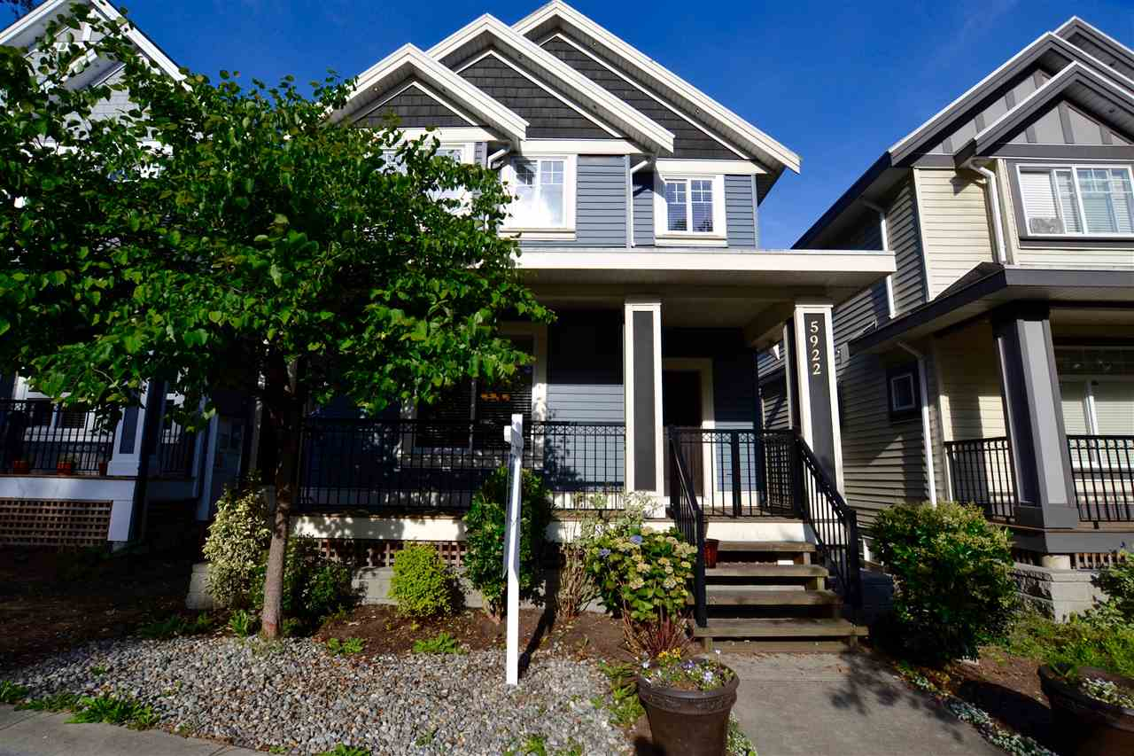 Photo 3: 5922 128 Street in Surrey: Panorama Ridge House for sale : MLS(r) # R2077660