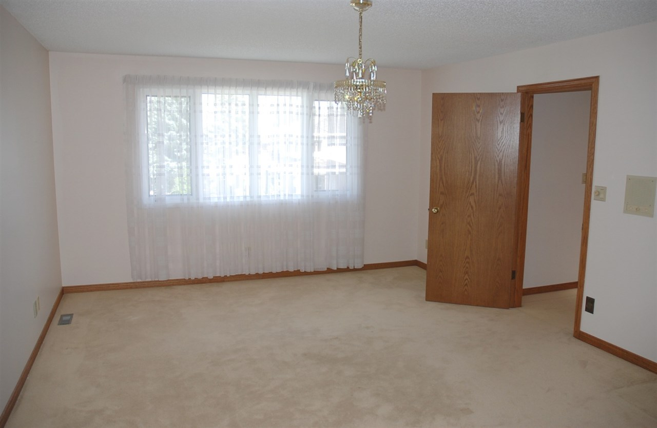 Large master with 5 piece ensuite and walk-in closet