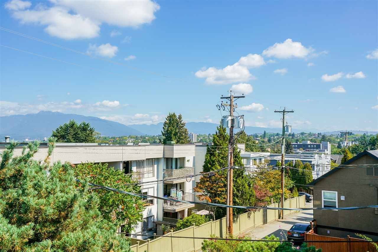 FEATURED LISTING: 304 - 813 BROADWAY East Vancouver