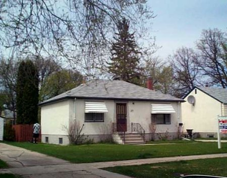 Main Photo: 25 Glenview Avenue: Residential for sale (St. Vital)
