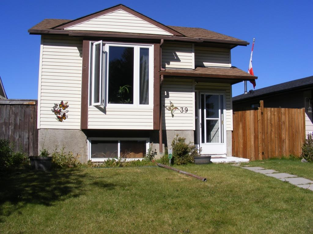 FEATURED LISTING: 39 ABERDARE Way Northeast Calgary