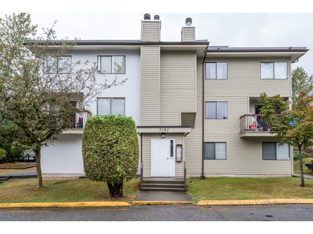 "Main Photo: 204 7131 133A Street in Surrey: West Newton Townhouse for sale in ""Suncreek Estates"" : MLS® # R2207163"