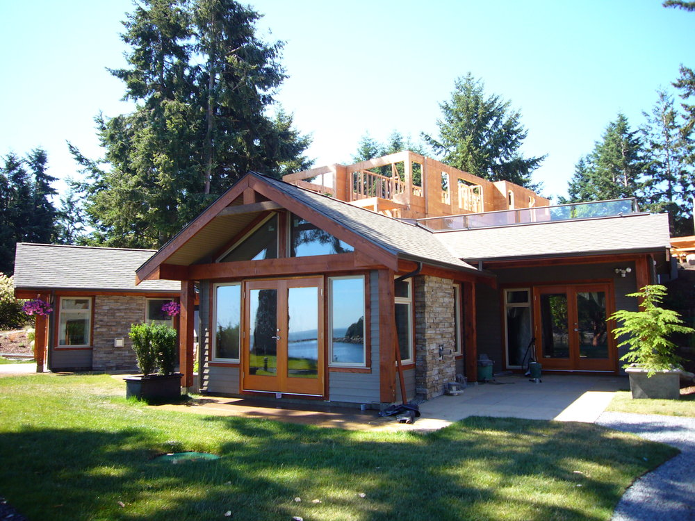 Main Photo: 494 Arbutus Drive in Mayne Island Resort  Beach Homes: Beach Home for sale