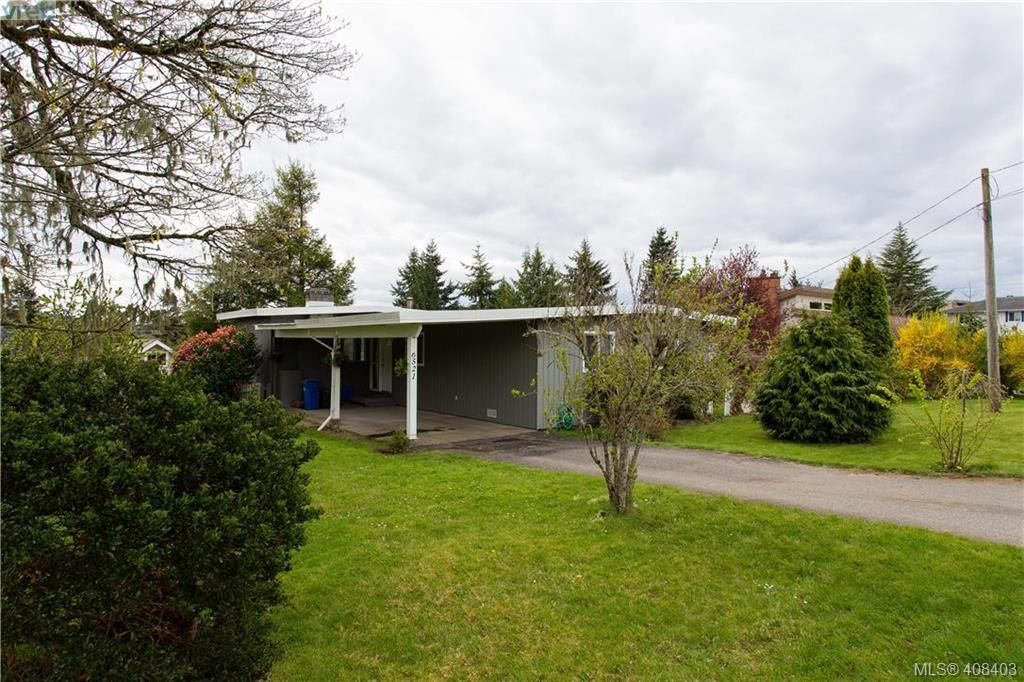 FEATURED LISTING: 6521 Golledge Avenue SOOKE