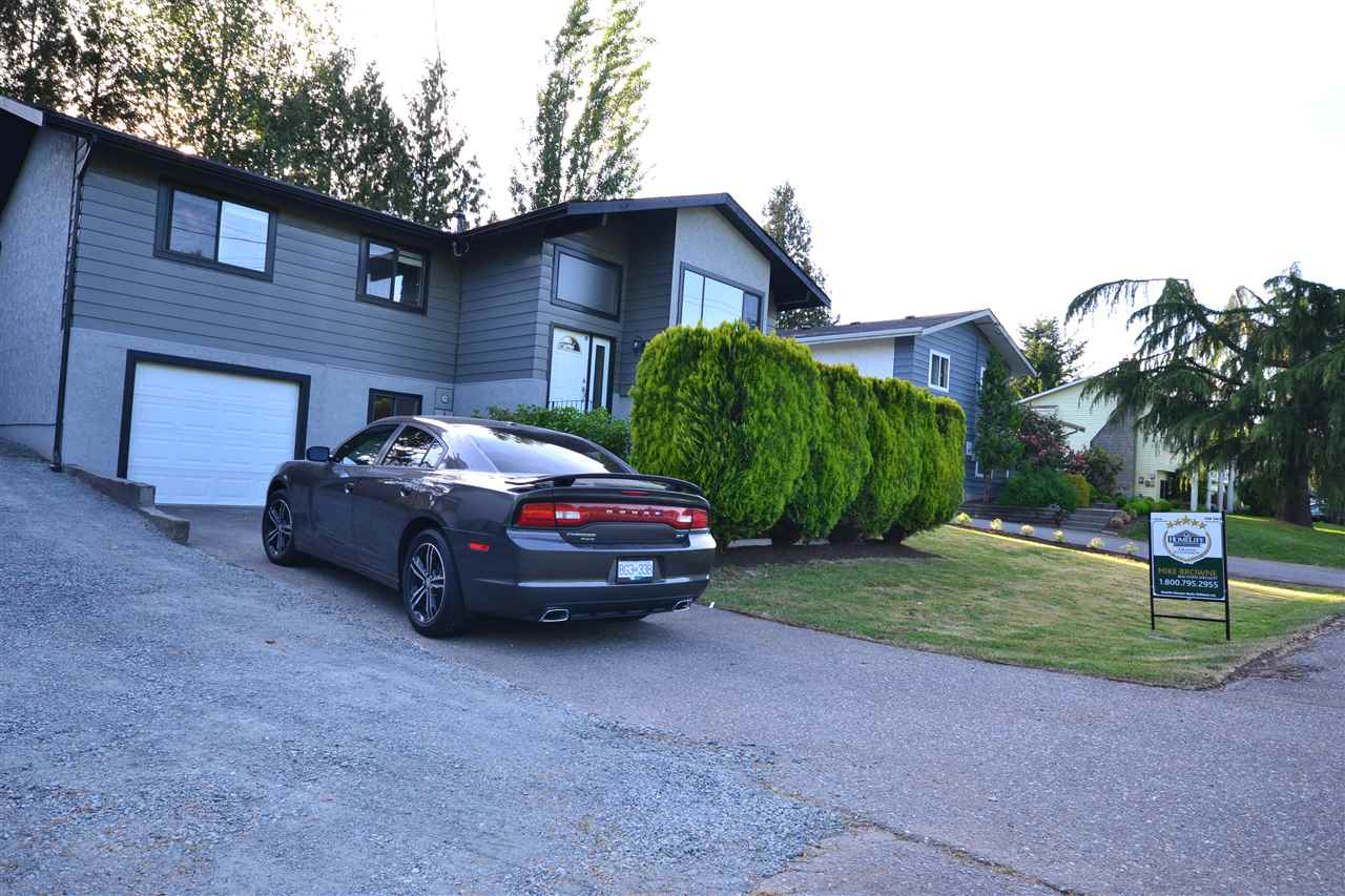"Main Photo: 3535 OLD CLAYBURN Road in Abbotsford: Abbotsford East House for sale in ""Clayburn area"" : MLS® # R2172081"