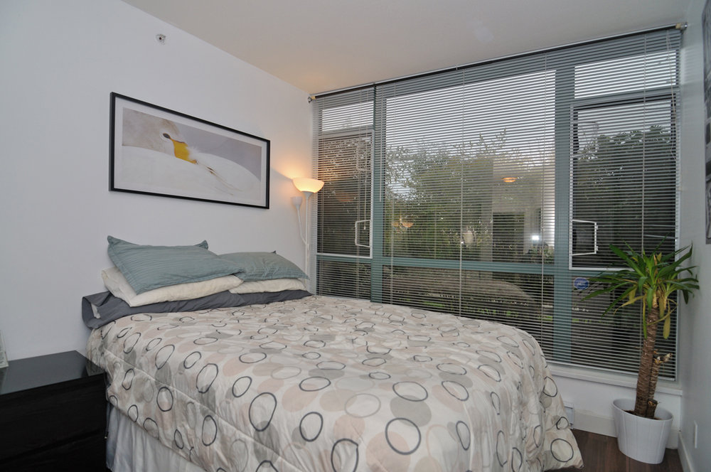 Photo 10: 202 1238 BURRARD Street in Altadena: Condo for sale : MLS® # V983075