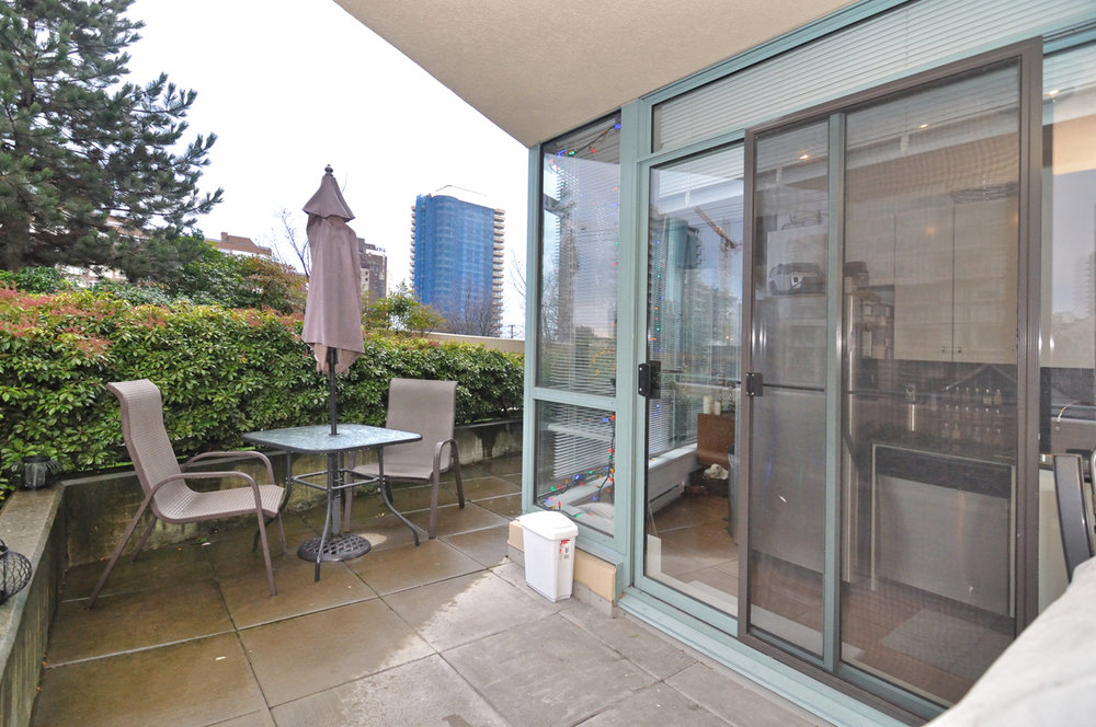 Photo 16: 202 1238 BURRARD Street in Altadena: Condo for sale : MLS® # V983075