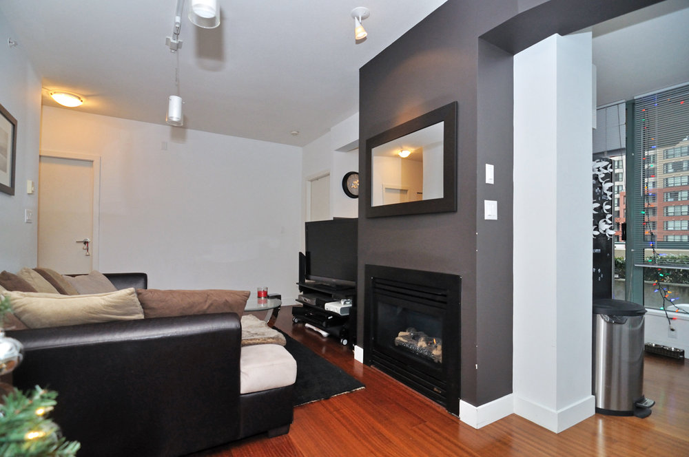 Photo 5: 202 1238 BURRARD Street in Altadena: Condo for sale : MLS® # V983075
