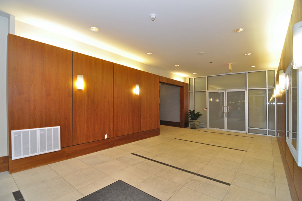 Photo 2: 202 1238 BURRARD Street in Altadena: Condo for sale : MLS® # V983075