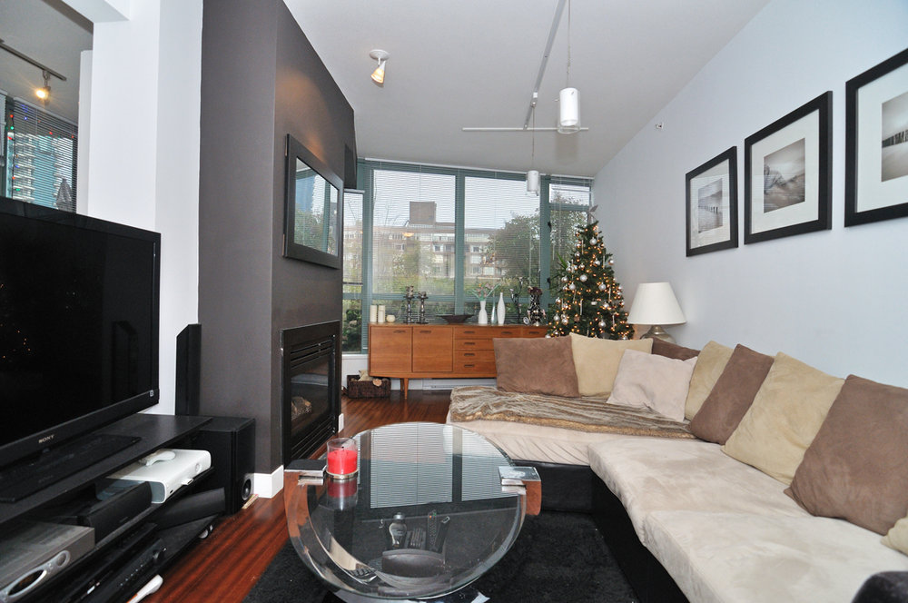 Photo 3: 202 1238 BURRARD Street in Altadena: Condo for sale : MLS® # V983075