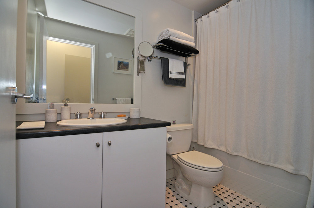 Photo 11: 202 1238 BURRARD Street in Altadena: Condo for sale : MLS® # V983075