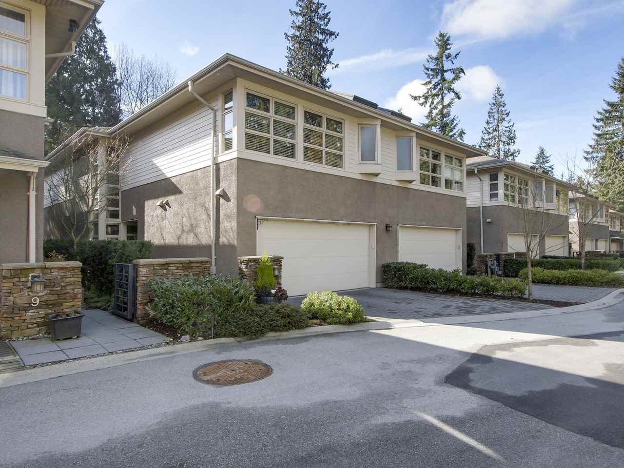 FEATURED LISTING: 8 3750 EDGEMONT Boulevard North Vancouver