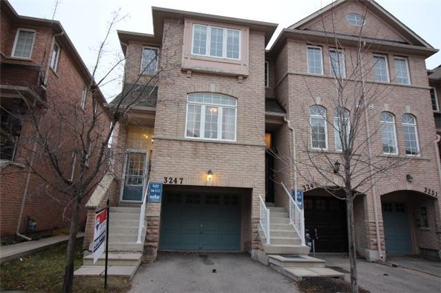 Main Photo: 3247 Redpath Circle in Mississauga: Lisgar House (3-Storey) for sale : MLS®# W3661738