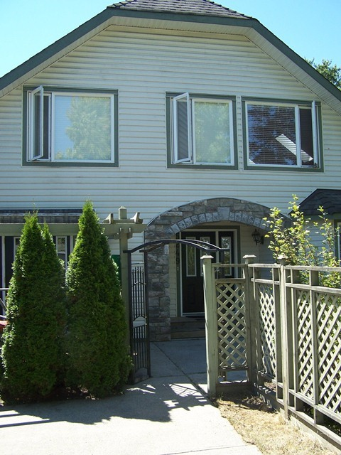 Main Photo: 5249 197A Street in Langley: Home for sale : MLS®# F1317353